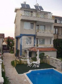 We offer for sale a working family hotel in Chernomorets, Bulgaria