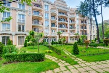 Resale of a furnished multi-bedroom penthouse in a luxury complex in Sunny beach,Bulgaria