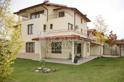 Luxury houses in a complex in the SPA resort Sandanski