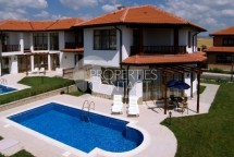 Houses and Villas nesr Sunny Beasch.  Properties in Bulgaria